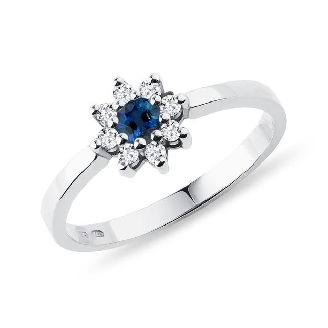 Sapphire ring with diamonds