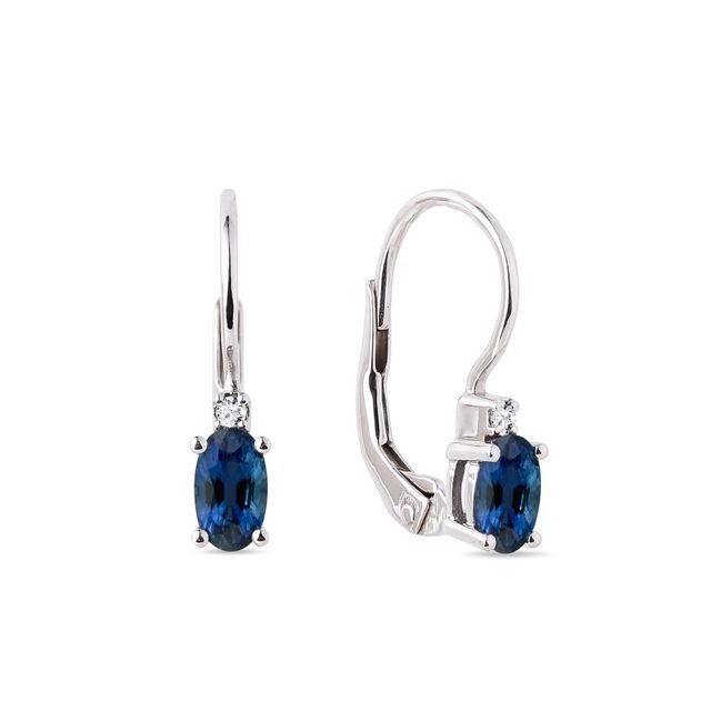Oval sapphire and diamond earrings in white gold