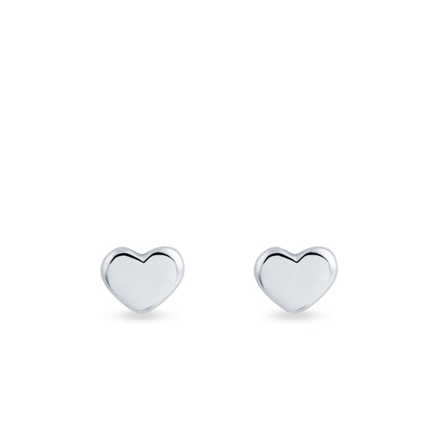 Earrings in the shape of hearts