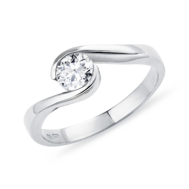 Engagement ring with a 0.3ct diamond in 14kt gold