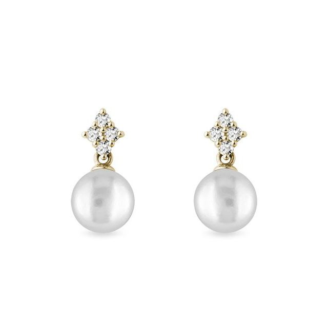Pearl and diamonds earrings in gold