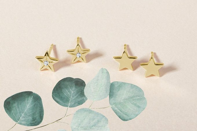 Star-shaped gold children's earrings - KLENOTA