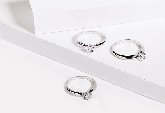 Zásnubní prsteny z bílého zlata s briliantem - KLENOTA