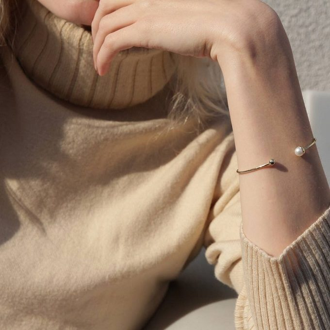 Złota bransoletka z perłą słodkowodną - KLENOTA