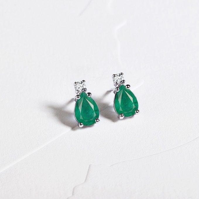 Boucles d'oreilles avec émeraudes et diamants - KLENOTA