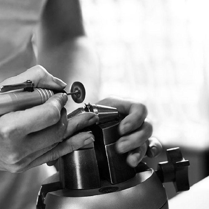 Goldsmith workshop in jewelry atelier - KLENOTA