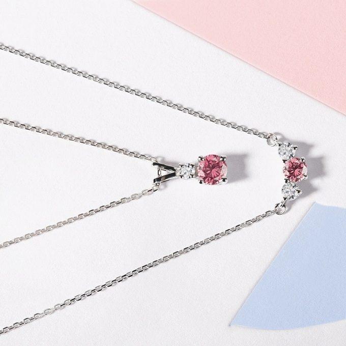 Naszyjnik i wisiorek z różowym szafirem i brylantami w białym złocie - KLENOTA