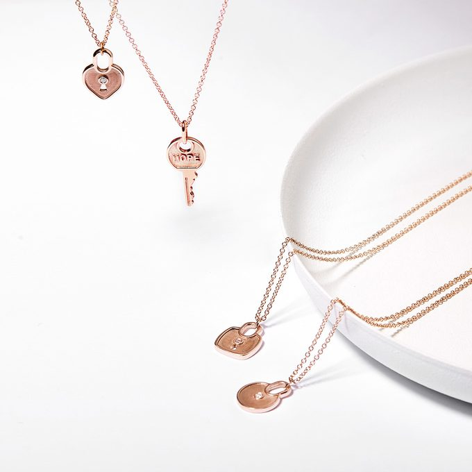 gold pendants key and lock in pink gold - KLENOTA