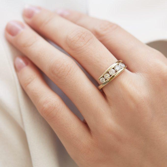 Luxus-Ehering mit großen Diamanten - KLENOTA
