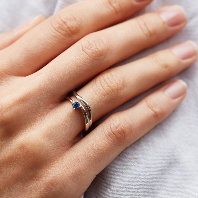 white gold ring with blue sapphire - KLENOTA