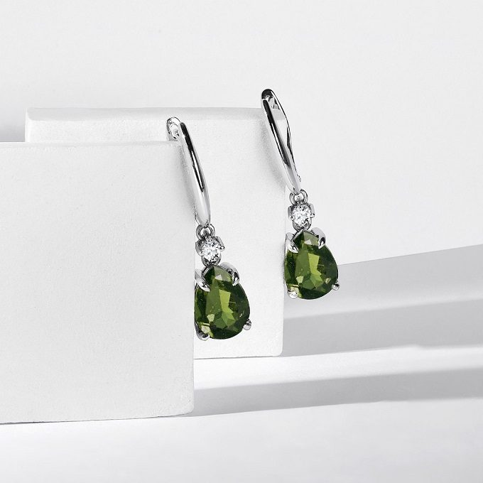 White gold earrings with moldavite and diamonds - KLENOTA