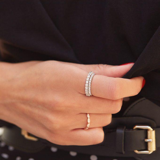 Luksusowe pierścionki z brylantami wykonane z białego złota - KLENOTA