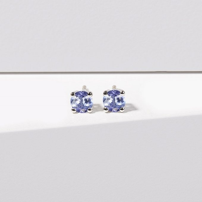 White gold stud earrings with round tanzanites - KLENOTA