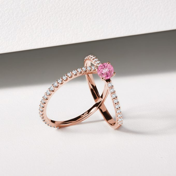 rose gold rings with pink sapphire - KLENOTA
