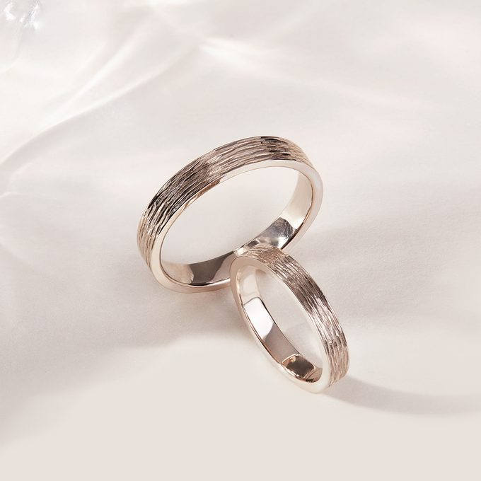 non - rhodium - plated gold ring made of white gold - KLENOTA
