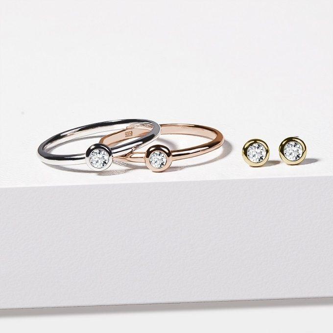 Náušnice a prsteny ze zlata s bezel diamantem - KLENOTA