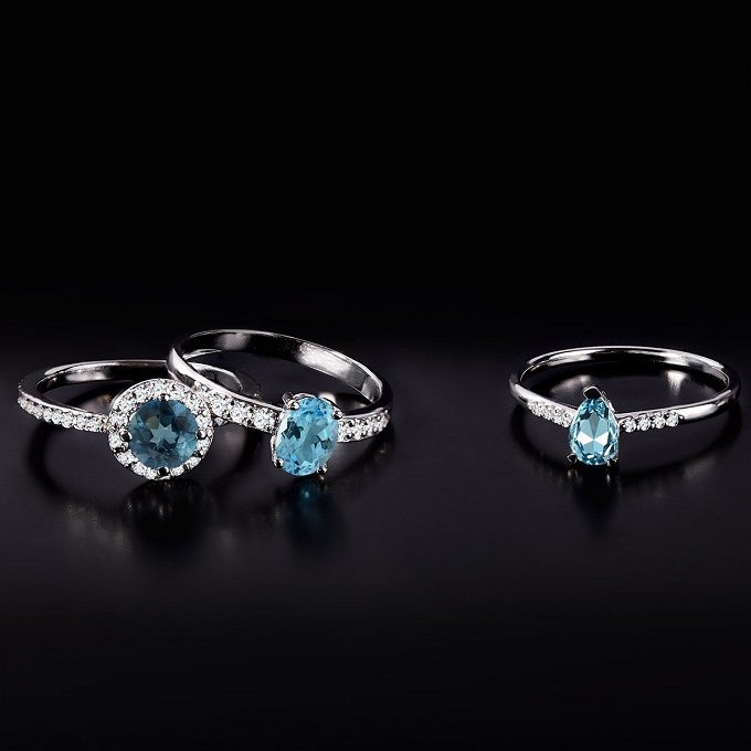 White gold rings with topaz and diamonds - KLENOTA