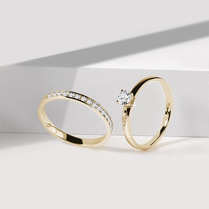 Set of engagement and wedding rings with yellow gold diamonds - KLENOTA