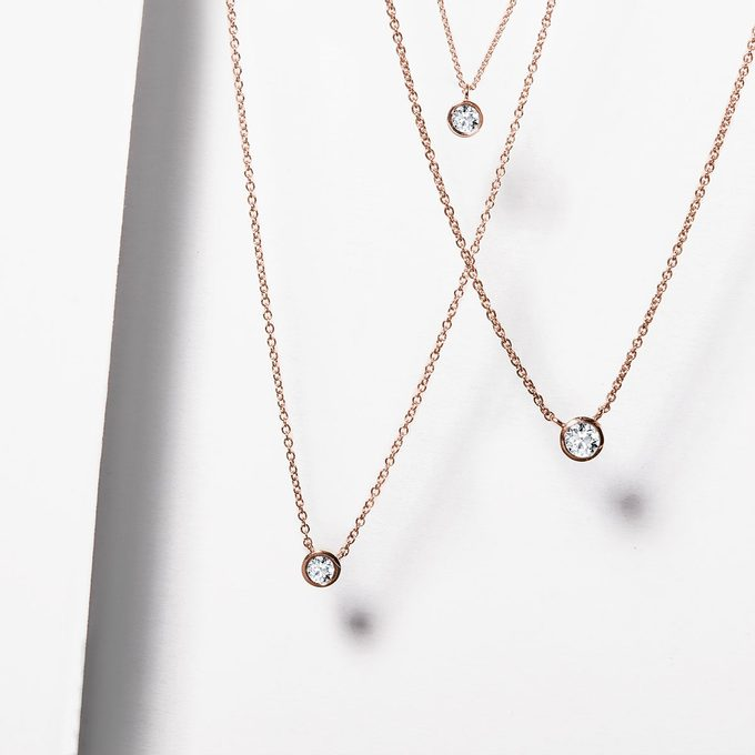Bezel necklaces in yellow gold with diamond - KLENOTA