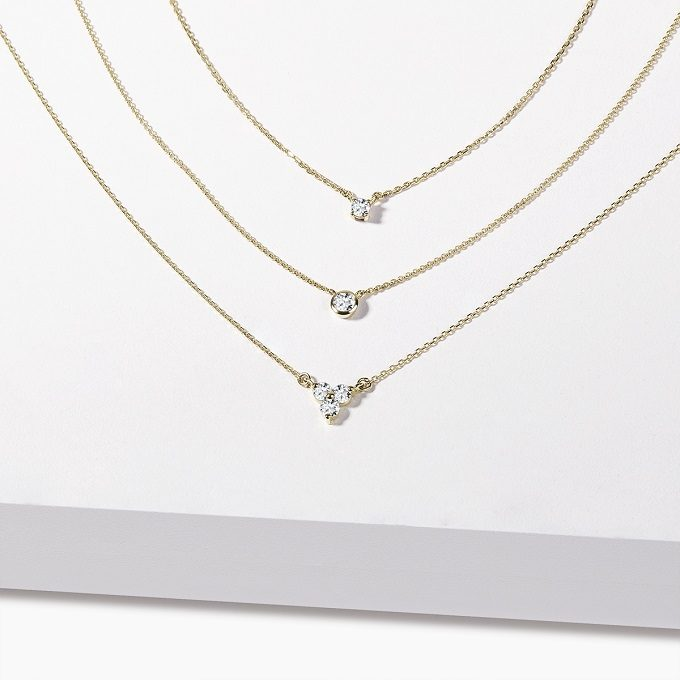 Gold necklaces with bezel diamonds - KLENOTA