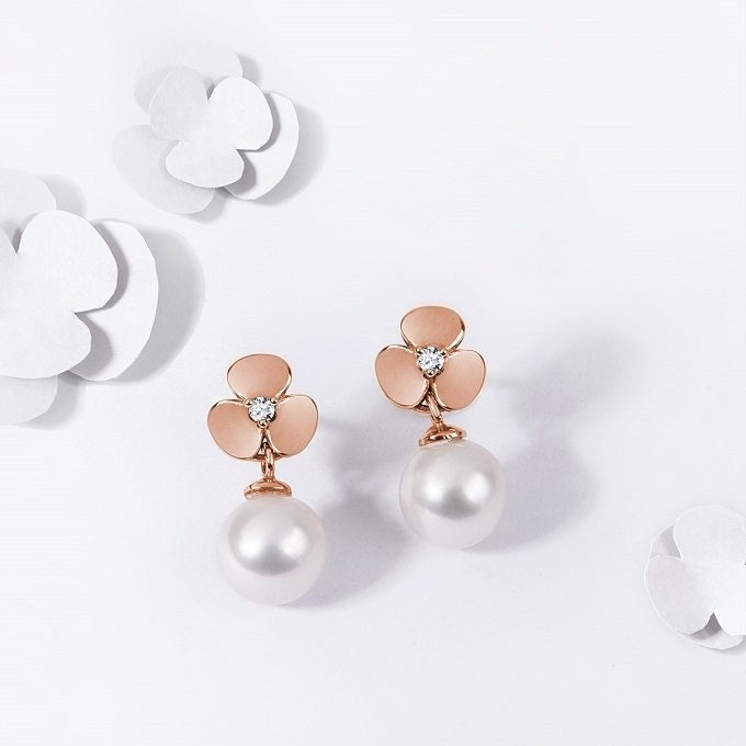 Rose gold Yetel earrings with shamrocks with diamonds and pearls - KLENOTA