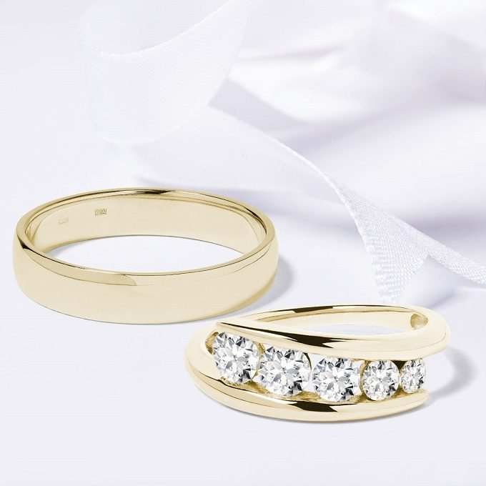 Yellow gold wedding rings with diamonds - KLENOTA