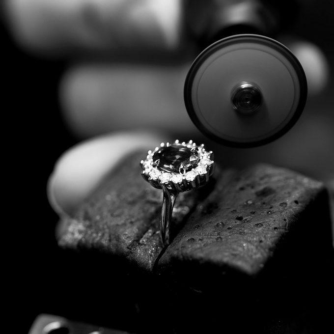 Zlatý prsteň KLENOTA s diamantmi