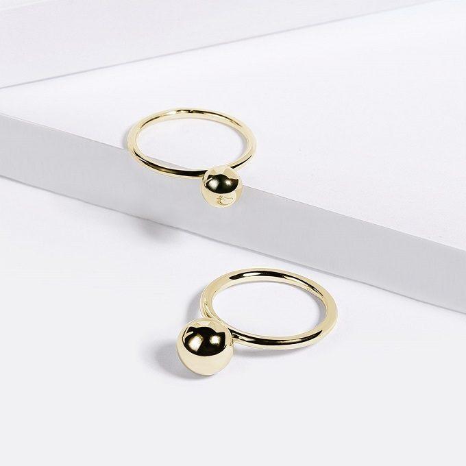 Złote pierścienie z piłką - KLENOTA