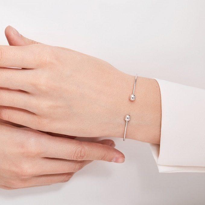 Bracelet en or blanc avec extrémités sphériques - KLENOTA