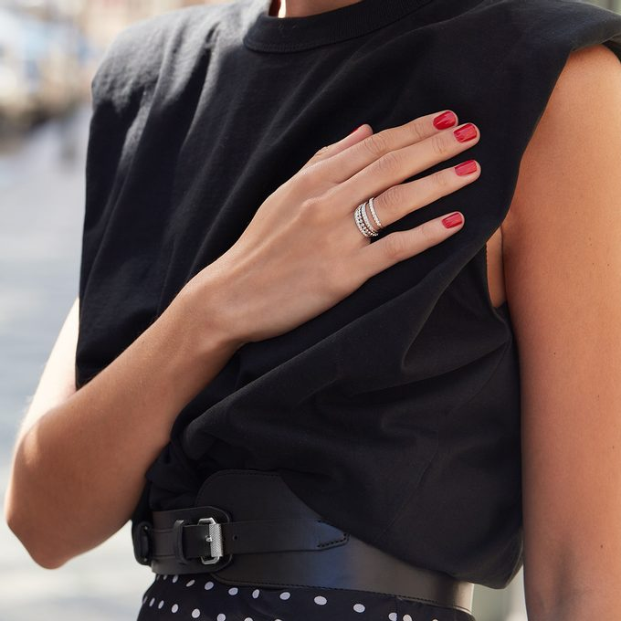 Diamentowe pierścionki wieczności wykonane z białego złota - KLENOTA