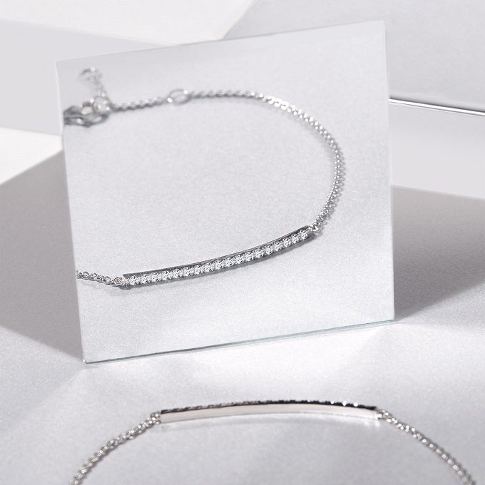 Bracelet en or blanc avec diamants de la collection Rain - KLENOTA