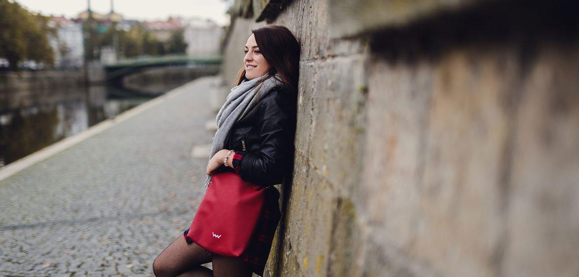 Set červené crossbody kabelky a lesklé červené peněženky PASSIONATE LOVERS  - Vuch