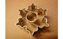 Dough cutter crinkled star/circle