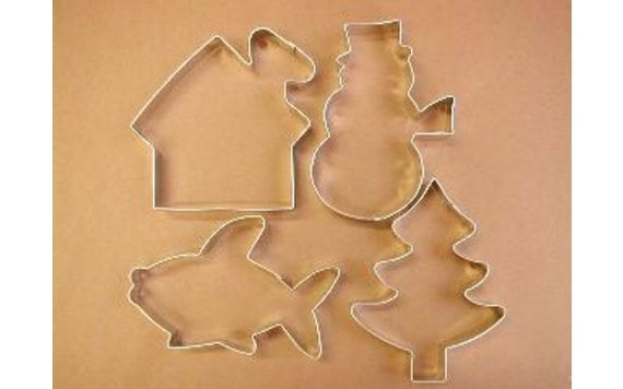 SET OF DOUGH CUTTERS - CHRISTMAS MOTIFS AND A FISH
