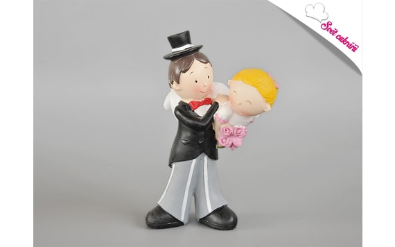 WEDDING CAKE TOPPER - GROOM CARRYING THE BRIDE