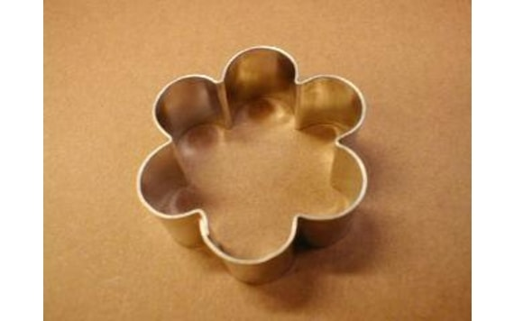 DOUGH CUTTER FLOWER BLOSSOM SMALL