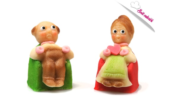 GRANNY AND GRANDDAD - MARZIPAN CAKE TOPPER