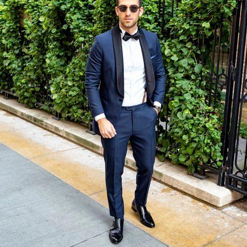 modrý pánsky oblek