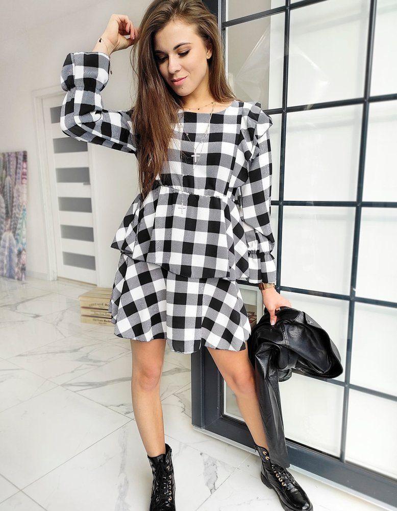 čiernobiele šaty s dlhým rukávom