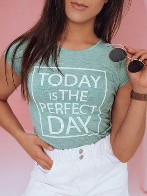 světlezelené dámské tričko s bílým nápisem