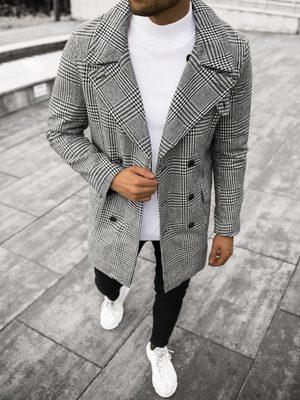 pánský dvouřadý černobílý kabát, bílý rolák a černé slim fit džíny