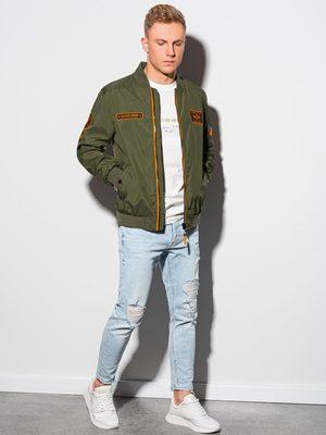 olivová pánská bomber bunda, modré pánské džíny