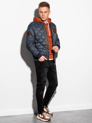 pánská antracitový bomber bunda, černé pánské roztrhané džíny, oranžová pánská mikina