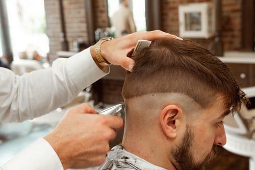 pánský střih u barbera