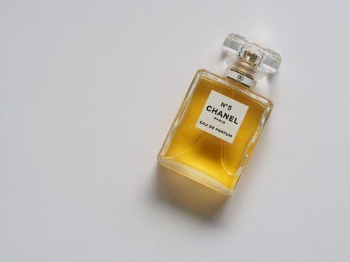 Valentýnský dárek parfém pro ženu