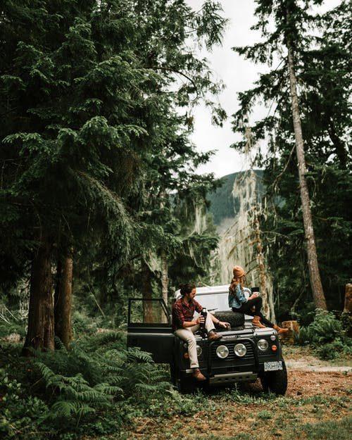první rande v lese