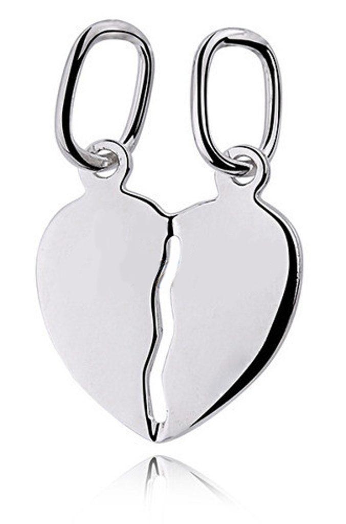 Stříbrný přívěsek rozpůlené srdce