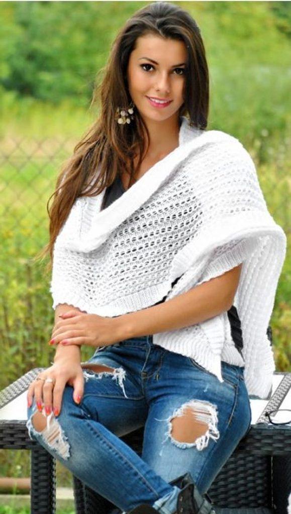 Hřejivá pletená šála - White