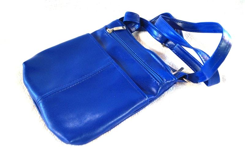 Modrá koženková crossbody kabelka