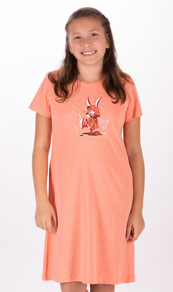 5c2b37d31846 Detská nočná košeľa s krátkym rukávom Zajac v plášti (meruňková  15 -16)